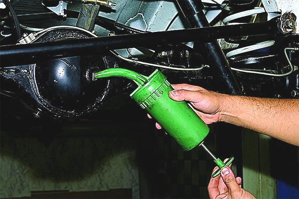 дело какое масло лучше заливать в двигатель ваз21083 изготовления тканей